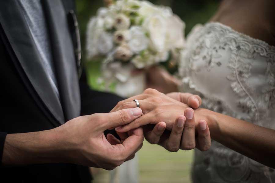 خاصیت درمانی در دست گرفتن دستان همسر | بخش اول