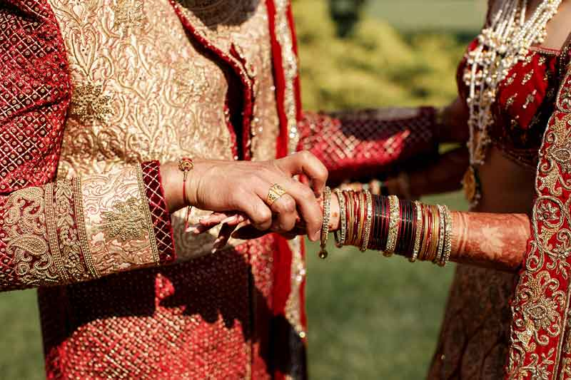 خاصیت درمانی در دست گرفتن دستان همسر | بخش دوم